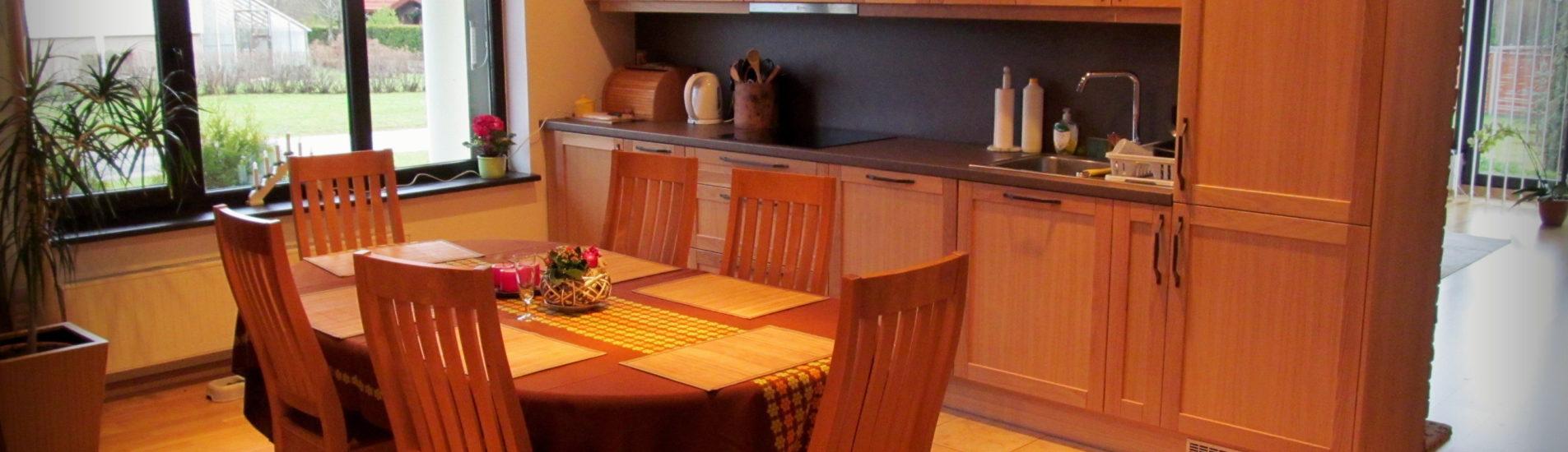 Täispuitustega köögimööbel